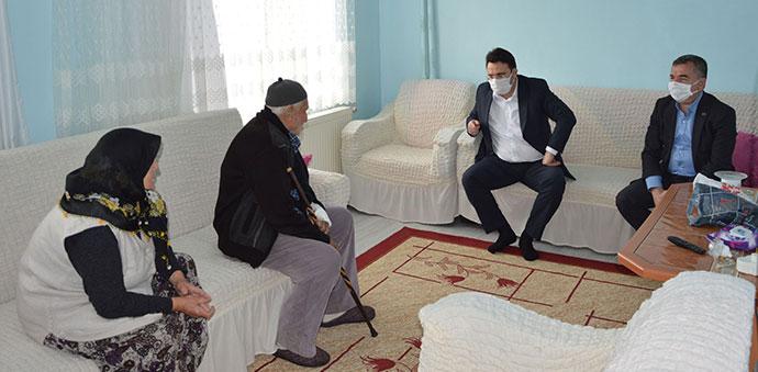 Kaymakam Yılmaz Ve Başkan Özdemir'den Şehit Ailelerine Ziyaret
