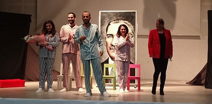 23 Nisan'a Özel 2 Tiyatro Programı Düzenlendi