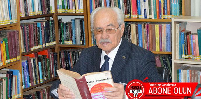 86 Yaşındaki Kitapkolik 8 Yılda 545 Kitap Okudu
