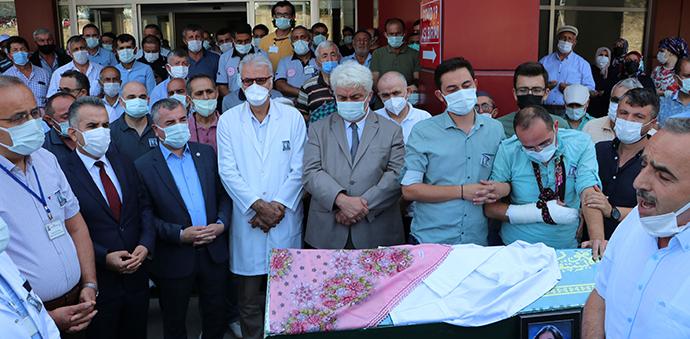 Balayına Giderken Kaza Geçiren Sağlık Çalışanı Toprağa Verildi