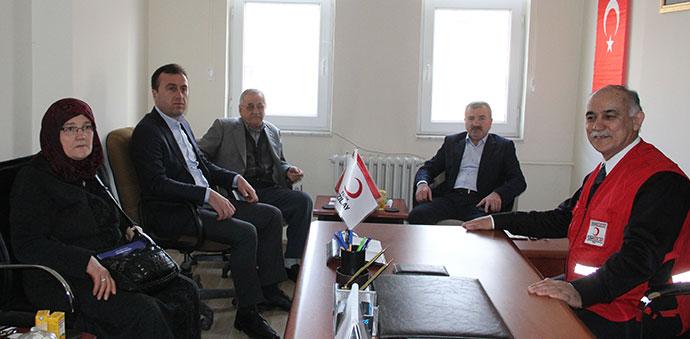 Başkan Adayı Özdemir, Kızılay'ı Ziyaret Etti