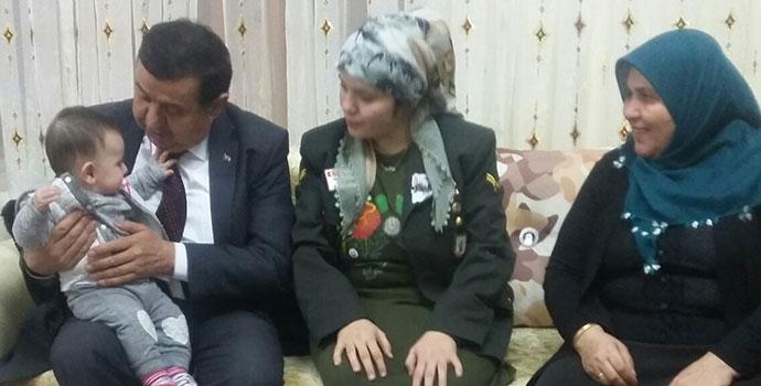 Başkan İkiz'den şehit eşine ziyaret