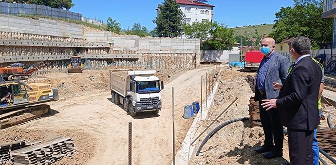 Başkan Özdemir, 353 Araç Kapasiteli Otopark Çalışmaları İnceledi