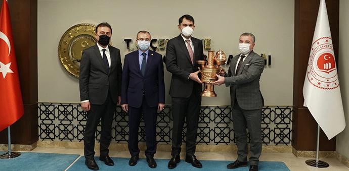 Belediye Başkanı Özdemir ve AK Parti İlçe Başkanı Kayan'dan Ankara Çıkartması