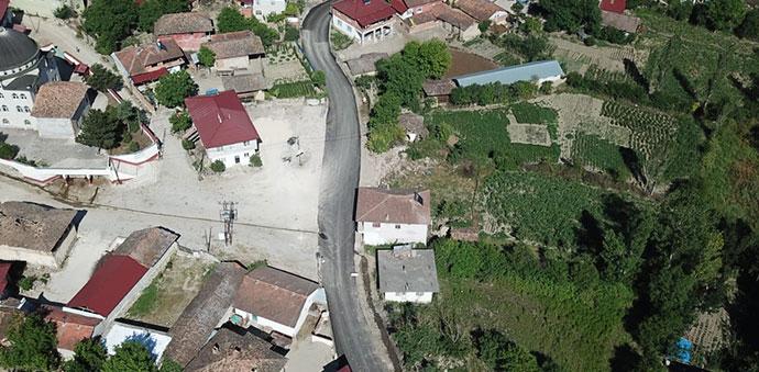 Dereköy Mahallesinde Asfaltlama Çalışmalarına Başlandı