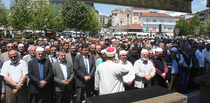 Filistinliler İçin Gıyabi Cenaze Namazı Kılındı