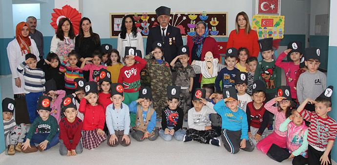 Gazi Dede Minik Öğrencilere Seminer Verdi