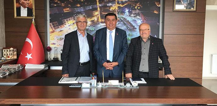 HADEF'ten Eski Başkan İkiz'e Teşekkür
