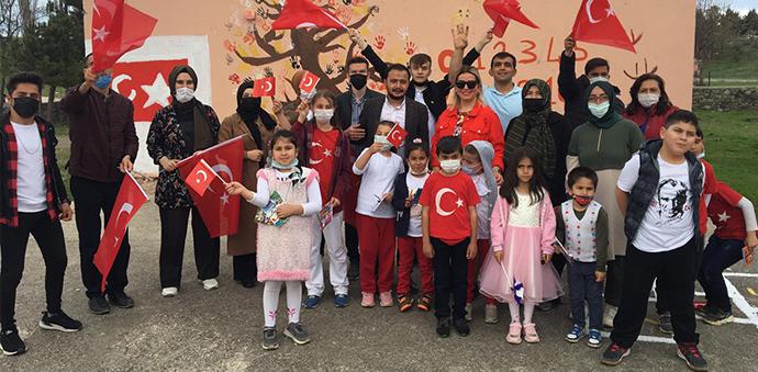 Havza Ak Gençlik öğrenciler ile 23 Nisan'ı kutladı
