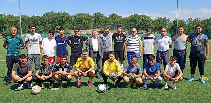 Havza Belediye Başkanı Özdemir Yaz Futbol Okulunu Ziyaret Etti