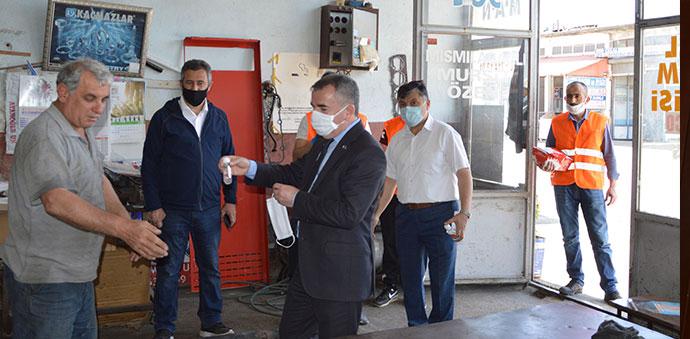 Havza Belediyesi Sanayi Sitelerinde El Dezenfektanı Ve Maske Dağıttı