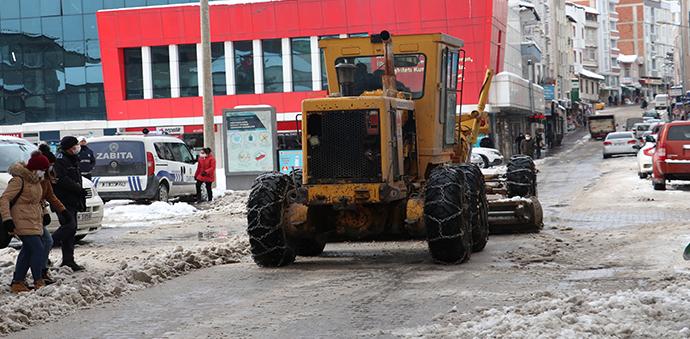 Havza Belediyesinde Kar Temizleme Ve Tuzlama Çalışmaları Yapıldı