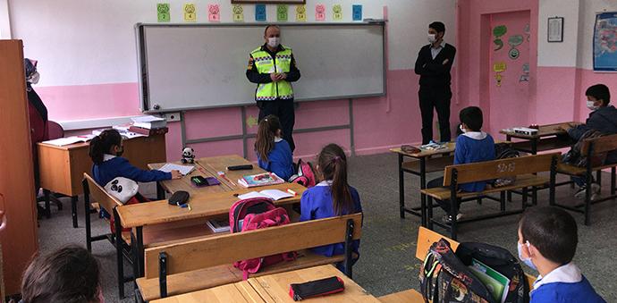 Havza Jandarmadan Öğrencilere Trafik Eğitimi