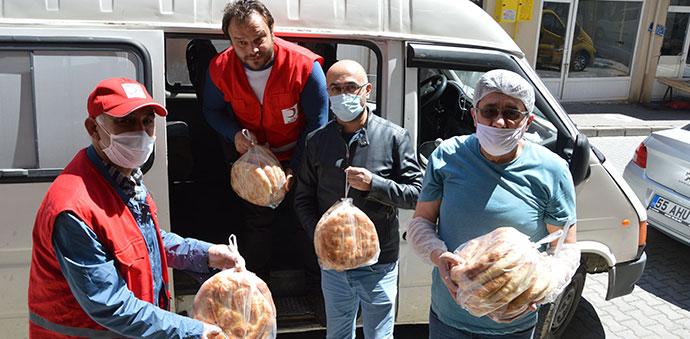 Havza Kızılay Temsilciliği Ramazan Pidesi Dağıttı