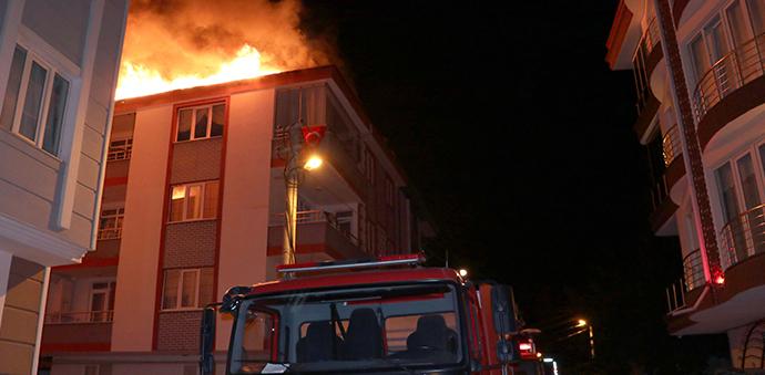 Havza'da Çatı Yangını Çıktı