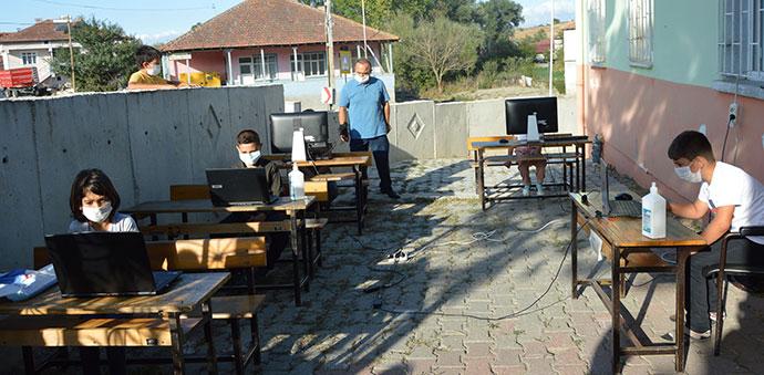 Havza'da Gezici EBA Destek Noktası Araçları Hizmete Başladı