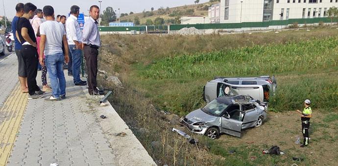 Havza'da İki Araç Tarlaya Uçtu