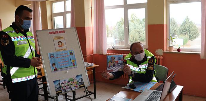 Havza'da Jandarmadan Çocuklara Online Trafik Eğitimi