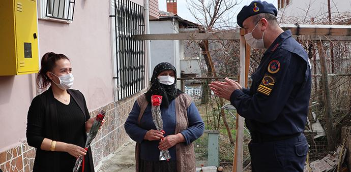 Havza'da Jandarmadan 8 Mart Sürprizi