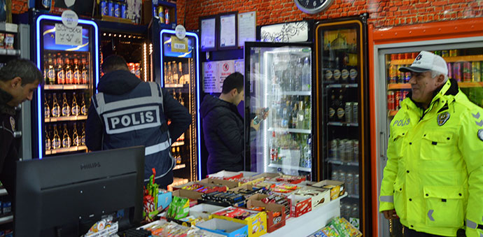 Havza'da Kaçak Alkol Ve Bandrol Kontrolü Yapıldı