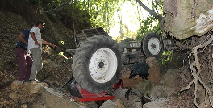 Havza'da Traktör Devrildi 1 Yaralı