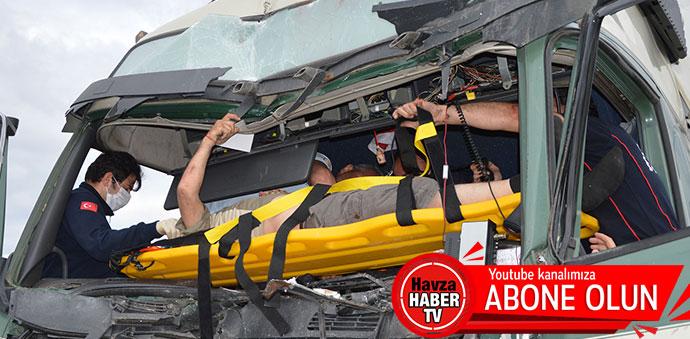 Havza'da Zincirleme Kaza 12 Araç 5 Yaralı