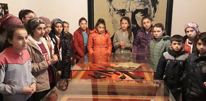 Karkucak Ortaokulu Atatürk Evi'ni Gezdiler