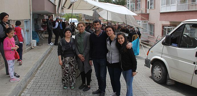 Karşıyaka Mahallesi Muhtarı Sevil Çelik'ten Teşekkür Yemeği