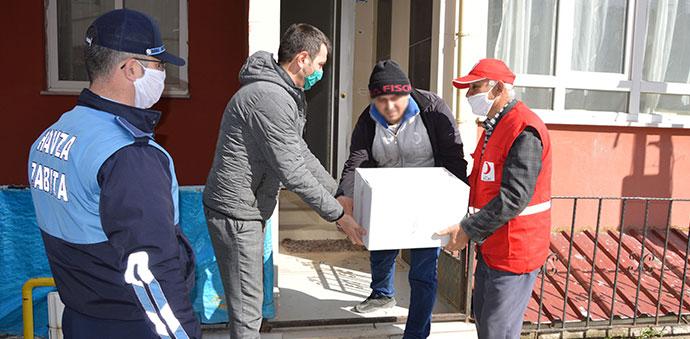 Kızılay'dan İhtiyaç Sahibi 65 Yaş Üstü Ve Kronik Hastalara Gıda Yardımı