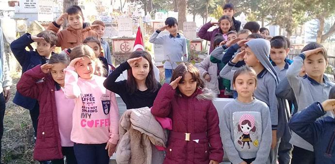 Merkezi İlkokulu Öğrencilerinden Şehitlerimize Vefa Borcu