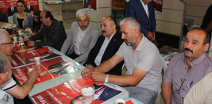 MHP'de Bayramlaşma Programı Yapıldı