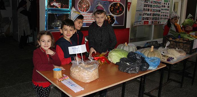 Minikler Okulda Yerli Mallarını Sattılar