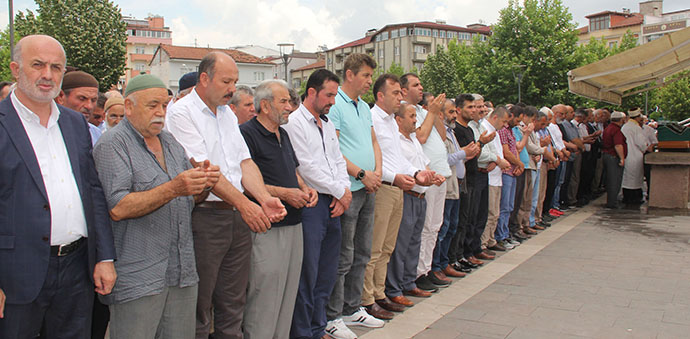 Muhammed Mursi için gıyabi cenaze namazı