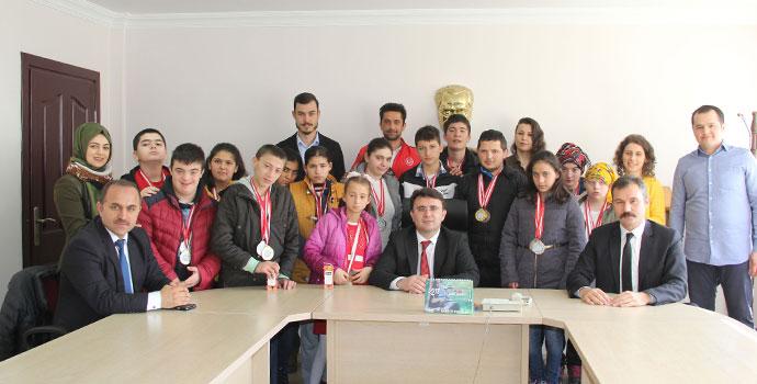 Özel Öğrenciler Samsun'da Fırtına Gibi Eski
