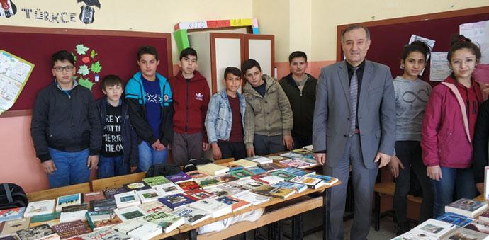 Şehidin Askeri Birliğinden Ilıca Ortaokuluna Kitap Hediye Edildi