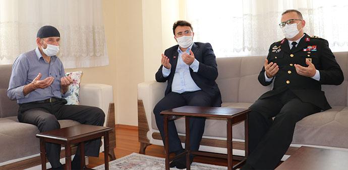 Şehit Yüzbaşı Mahmut Top'un Ailesine 'Şahadet Belgesi' Verildi