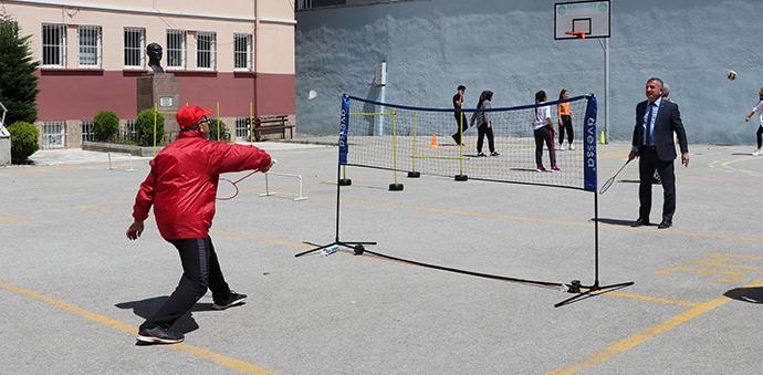 Telafi Eğitimi Alan Öğrencilere Spor Şenliği