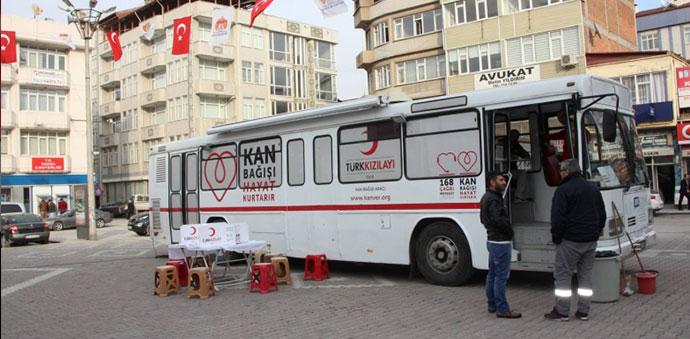 Türk Kızılay'ı Tarafından Kan Toplandı