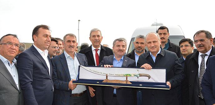 Ulaştırma Bakanı Turhan, OSB Yolunu İnceledi