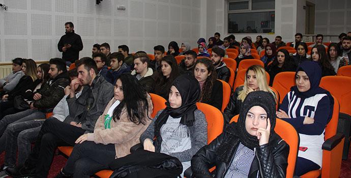 Üniversiteli Gençlere Destanlaşan Çanakkale Konferansı Verildi