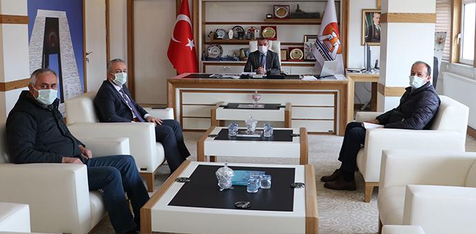 Vakıflar Bölge Müdürü Öztürk'ten Başkan Özdemir'e Ziyaret