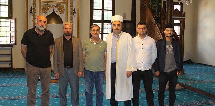 Yörgüç Paşazade Mustafa Paşa Camisine Halı ve Mahfil Yapıldı