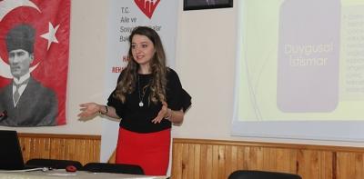 Ailelere Çocuk İstismarı ve Gelişimi Eğitimi Verildi