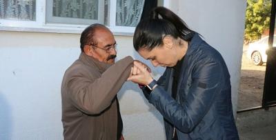 Ak Parti Genel Başkan Yardımcısı Karaaslan'dan Şehit Babasına Ziyaret