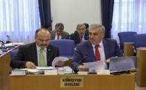 AKP Plan ve Bütçe Komisyonunda memurlara verilen tazminatların artırılması talebini reddetti.