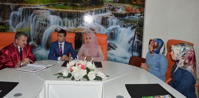 Başkan Özdemir, İlk Nikahını Kıydı
