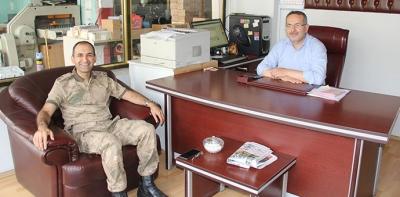 Binbaşı Özgür Kumkayır'dan  Gazetemizi Veda Ziyareti
