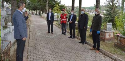 Boş Kalan Mezarlıkta Kuran-ı Kerim tilaveti ve dualar okundu
