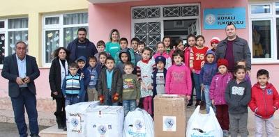 Bursa SAMDEF'ten Öğrencilere Yardım