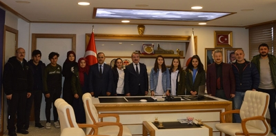 Dereceye Giren Öğrencilerden Başkan Özdemir'e Ziyaret